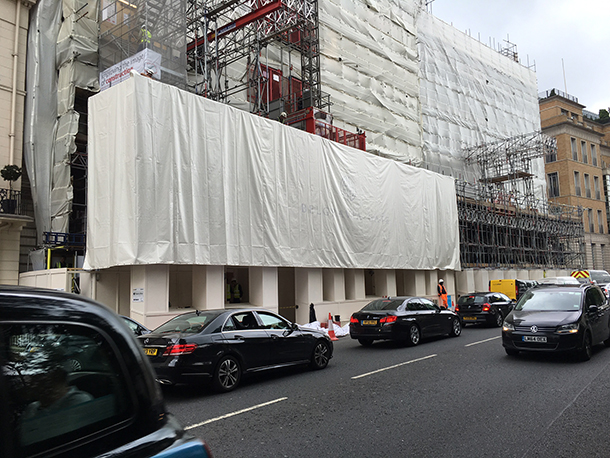 installation of scaffolding wrap advertising
